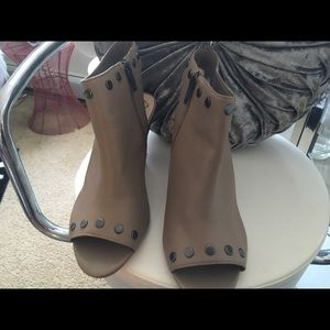 Tan Leather Vince Camuto Bootie... worn twice